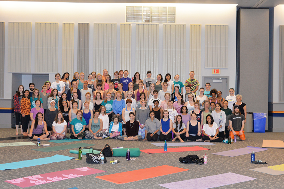 Tao Porchon-Lynch with students from the Yoga Club of University of Delaware