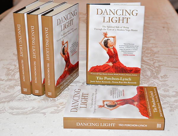 DancingLight_PowerLiving_DSC_9410_72dpiR600