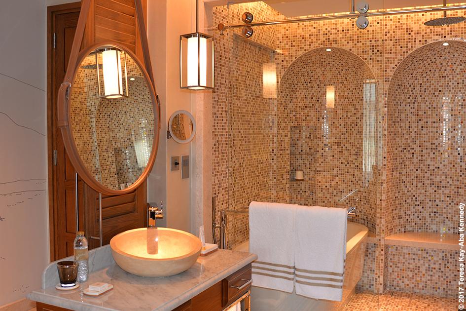 Bathroom suite at Jumeriah Al Naseem Resort in Dubai - February 11, 2017