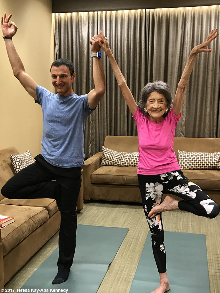99-year-old Yoga Master and Competitive Ballroom Dancer Tao Porchon-Lynch on LIVE with Kelly & Ryan - September 13, 2017