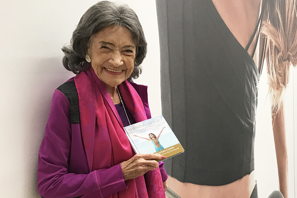 99-year-old yoga master Tao Porchon-Lynch at Athleta store in New York with her new book, Shining Bright - November 18, 2017