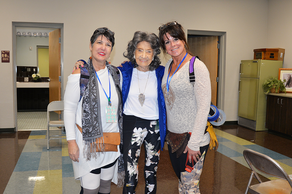 Tish Dragonette, 99-year-old yoga master Tao Porchon-Lynch and Lorrie Lawrence at the Sedona Yoga Festival - February 10, 2018