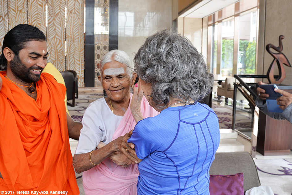 Shwaasa Guru introducing 97-year-old Amma V. Nanammal and 98-year-old yoga master Tao Porchon-Lynch in Bangalore, India - June 20, 2017