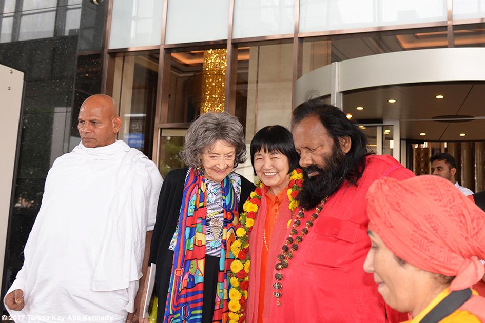 98-year-old yoga master Tao Porchon-Lynch, Yogmata Keiko Aikawa, Pilot Baba and others before award ceremony in Bangalore, India - June 19, 2017